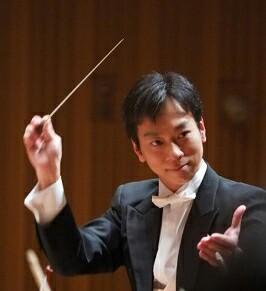 指揮者:田中健
